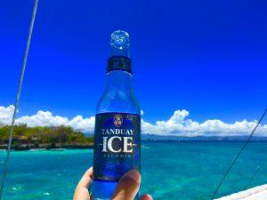 船の上で、昼からアルコール