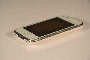 iPhone3G。分厚い。